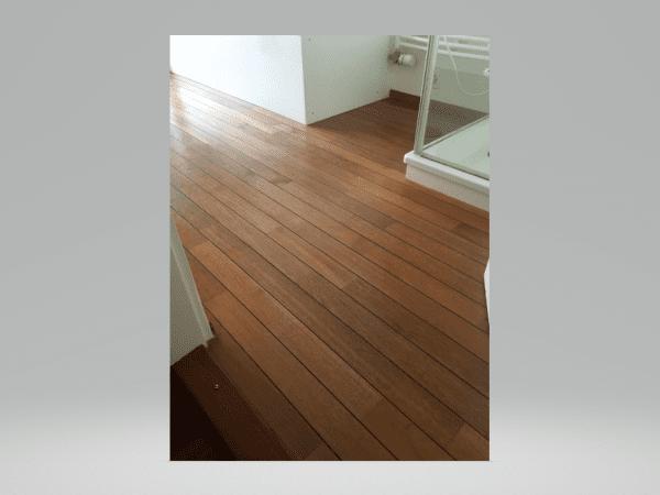 Parquet Teck pour salle de bain